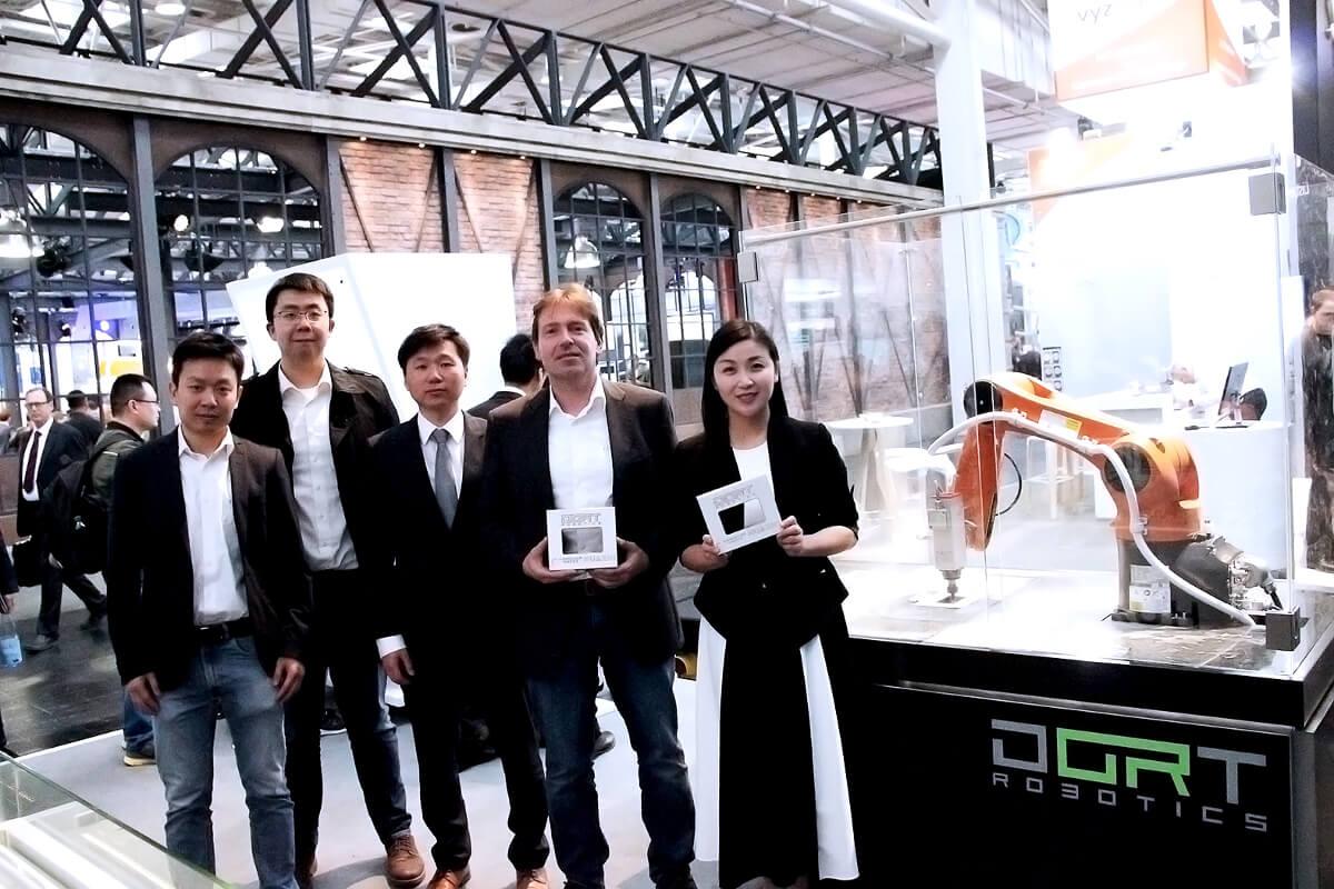 Huazhi & Transfact Roboterzelle auf der Hannover Messe 2018